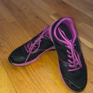 Vionic Arch Support Gym Shoes